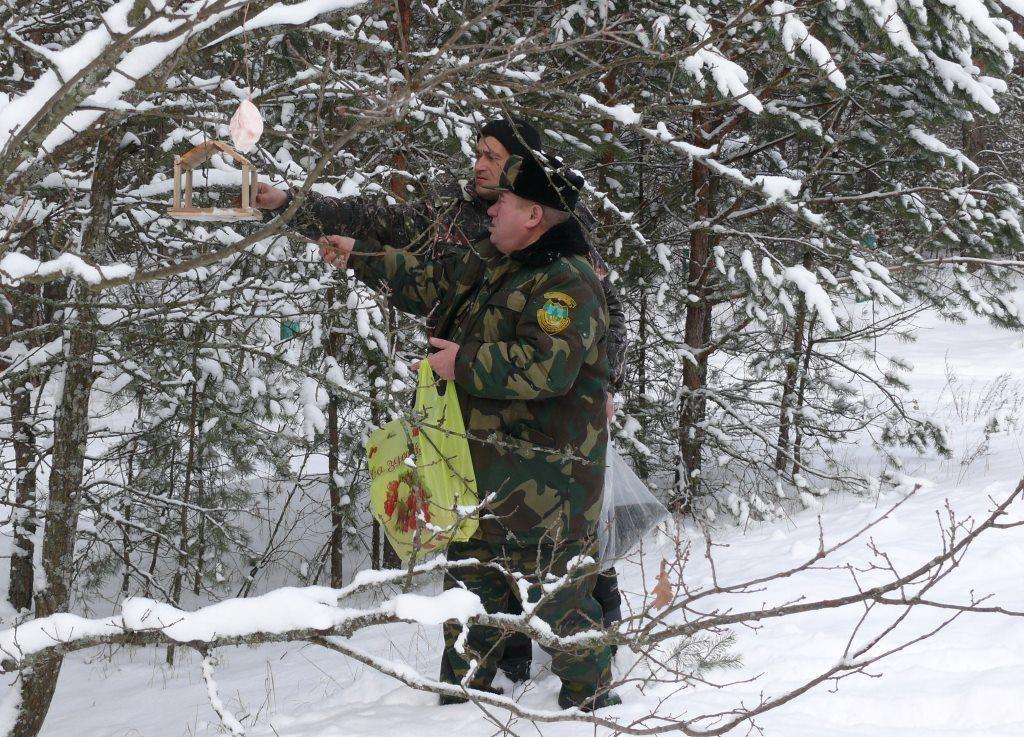 Допоможемо нашим птахам взимку!