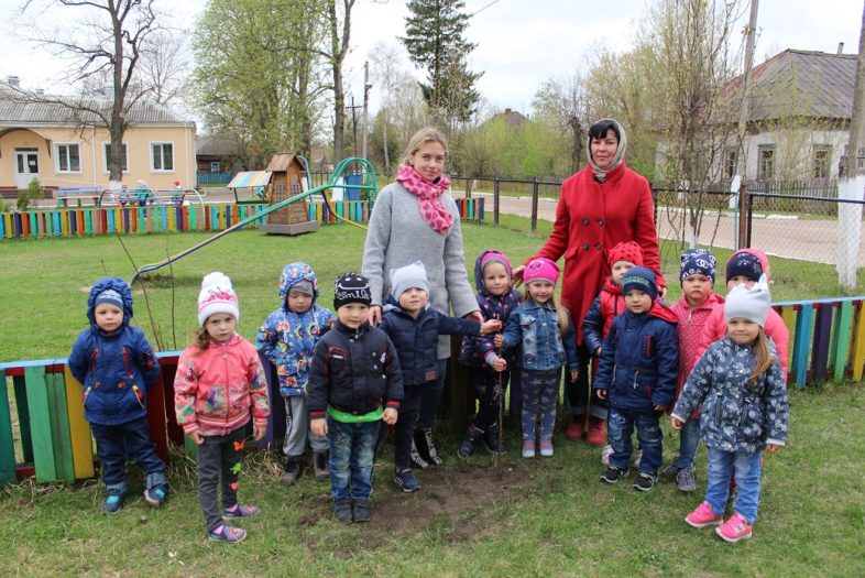 Акція «Посади дерево» в дитячому садочку «Сонечко»